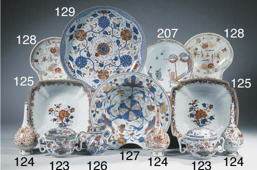 An Imari teapot and cover