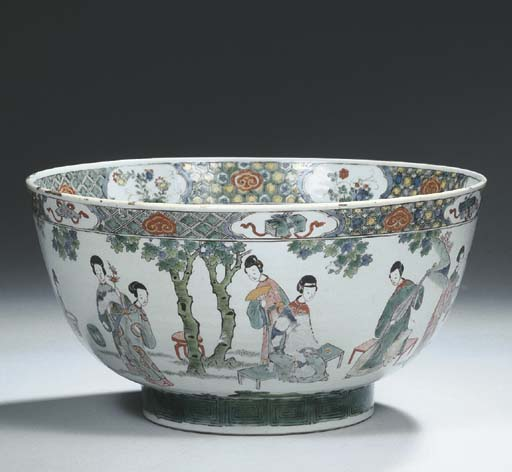 A famille verte deep bowl