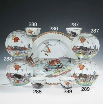A dutch-decorated teabowl and
