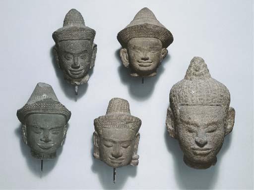 five khmer, angkor vat and bay
