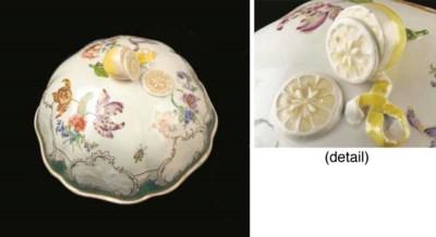 A Meissen porcelain floral Clo