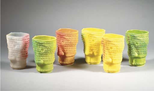 Goti, six polyurethane vases