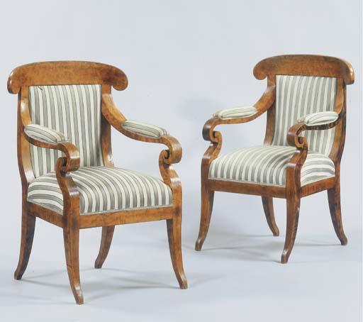 (2) A pair of Biedermeier burr