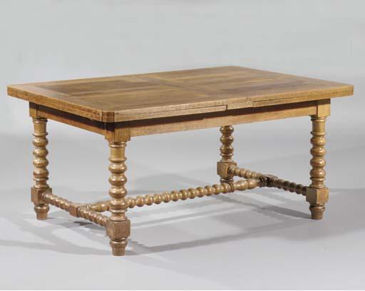 A Dutch oak draw-leaf table