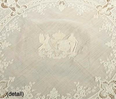 (5) A Damask linen tablecover