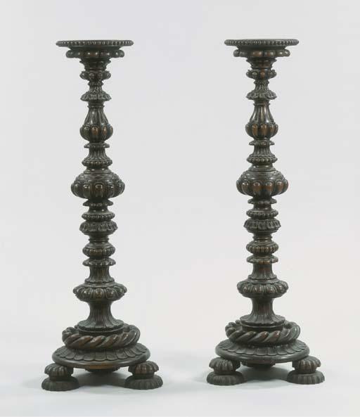 (2)  A pair of Italian oak tor