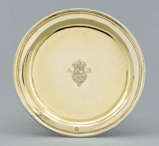 A Queen Anne silver-gilt tazza
