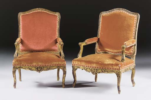 A MATCHED PAIR OF FRENCH GILTW