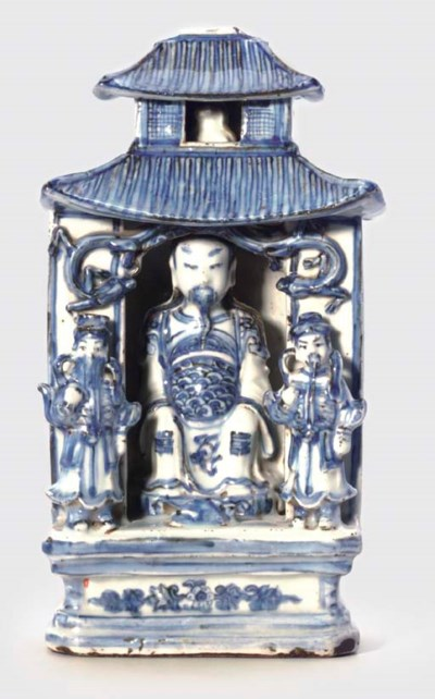 A MING BLUE AND WHITE MODEL OF
