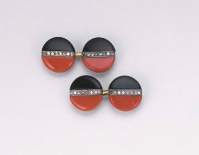 A PAIR OF ART DECO CORAL, ONYX