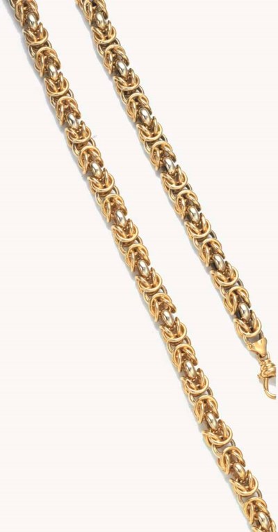 A CABLE-LINK NECKLACE AND BRAC