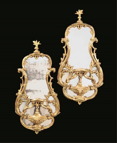 A PAIR OF GEORGE III GILT CART