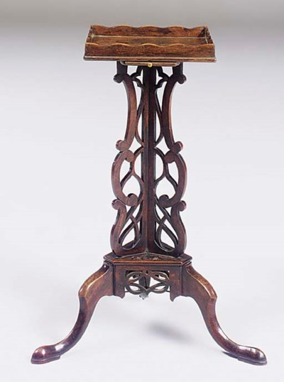 AN IRISH GEORGE III MAHOGANY T