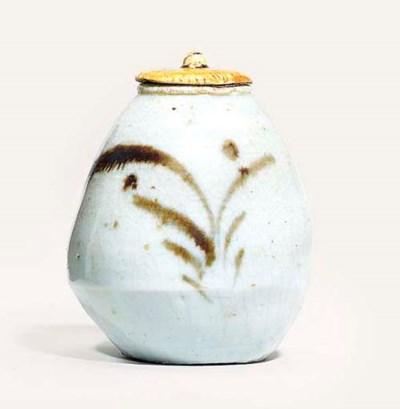 A Shoki Imari Chaire [Tea-Cadd