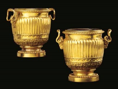 A PAIR OF FRENCH ORMOLU SCEAUX