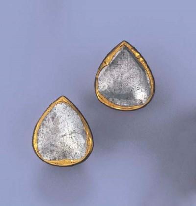 A PAIR OF INDIAN DIAMOND EARRI