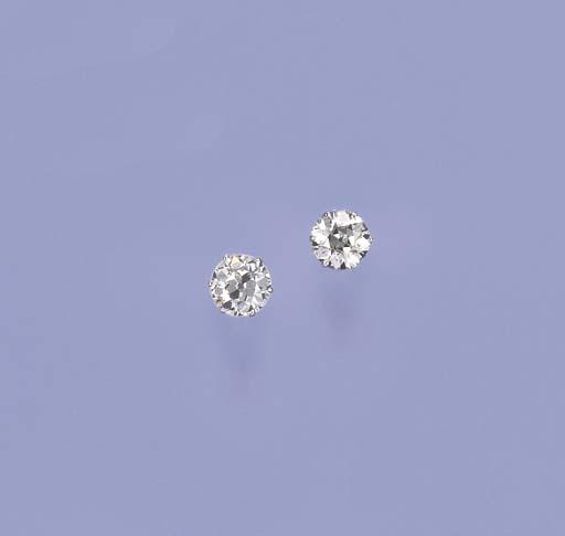 A PAIR OF SINGLE-STONE DIAMOND