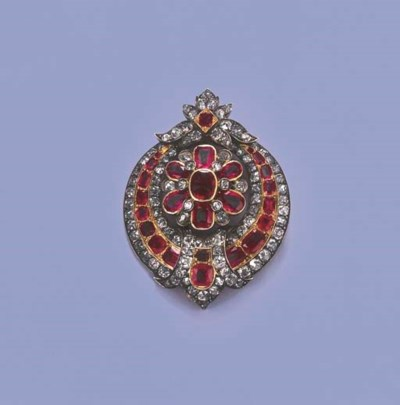 AN ANTIQUE RUBY AND DIAMOND PE