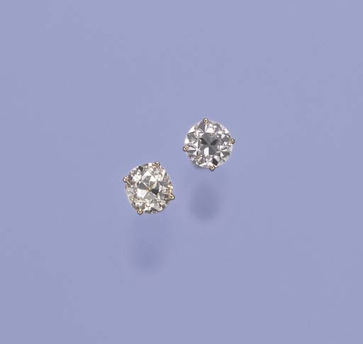 A PAIR OF SINGLE-STONE DIAMOND