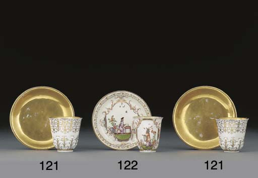 A pair of Meissen beakers and