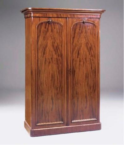 A mahogany wardrobe, 19th cent