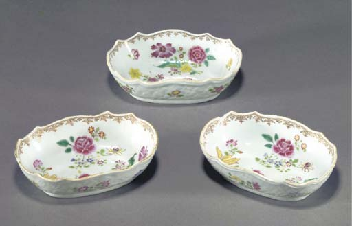 THREE FAMILLE ROSE OVAL BOWLS