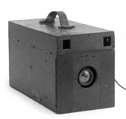 Detective hand camera