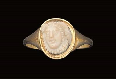A ROMAN CREAM STONE MEDUSA HEA