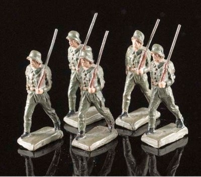 Lineol 70mm military figures