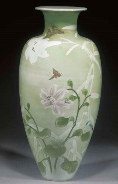 A large tapering porcelain vas