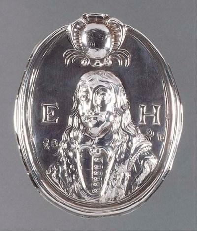 A Queen Anne Silver Cloak Badg
