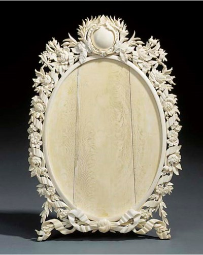 A Dieppe carved ivory dressing