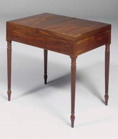A Regency mahogany dressing ta