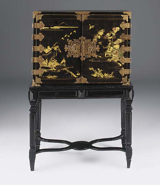 A JAPANESE LACQUER CABINET ON