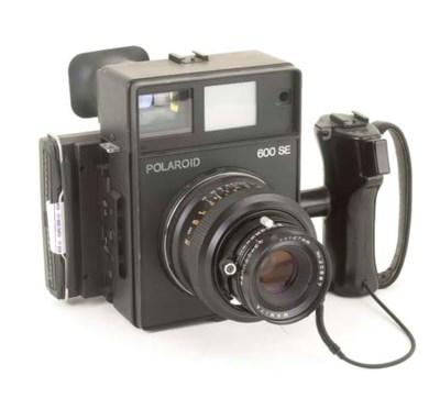Polaroid 600SE camera