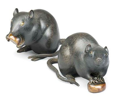 A pair of Japanese bronze rats