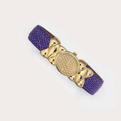 A lady's Mauboussin Paris gold