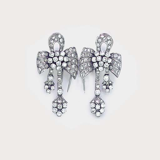 A diamond double clip brooch,