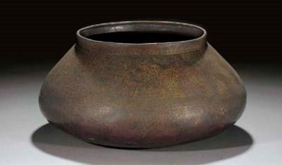 A large Mamluk-style bowl,th C