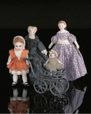 Dolls' house dolls