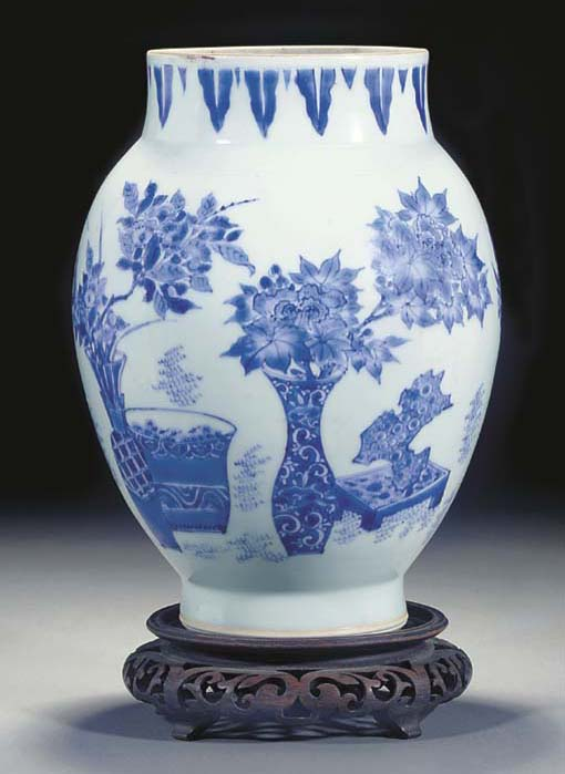 A Chinese blue and white ovoid vase, Transitional