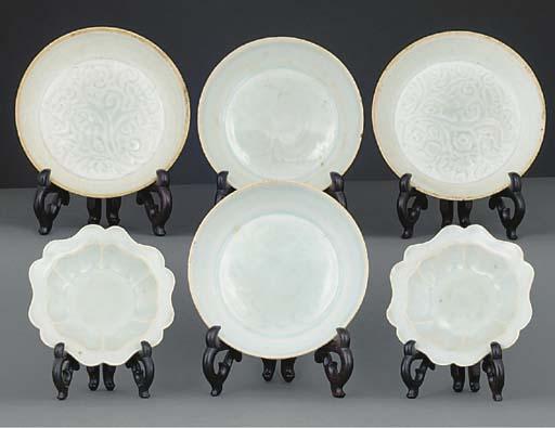 Three pairs of yingqing potter