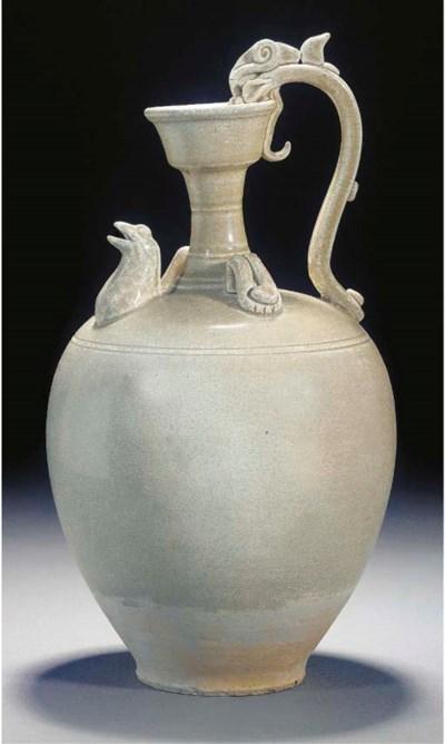 A Tang pale olive glazed potte