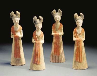 A set of four Tang painted pot