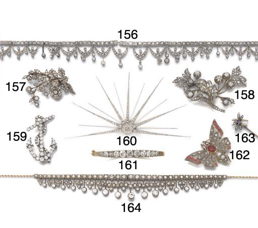 A late 19th or early 20th century diamond necklace,