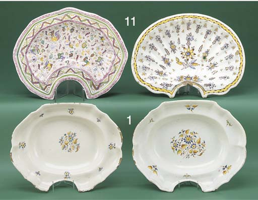 A pair of Spanish faience oval
