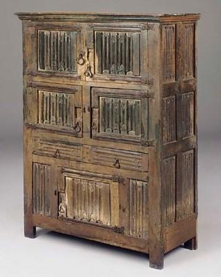 An english oak linenfold cupboard 16th century christie 39 s for Schrank english