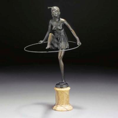 'Hoop Girl' a patinated bronze