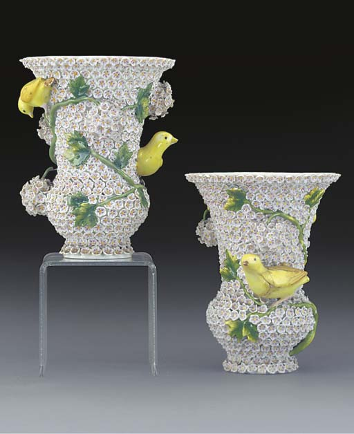 A pair of Meissen small Schneeballen vases