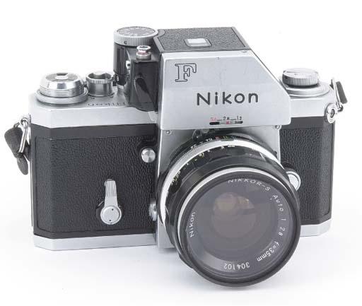 Nikon F no. 7165054